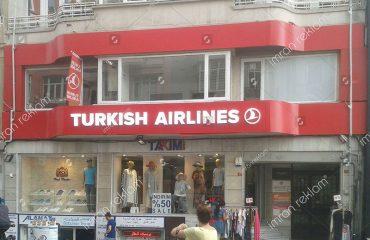 Türk Hava Yolları Tabelası